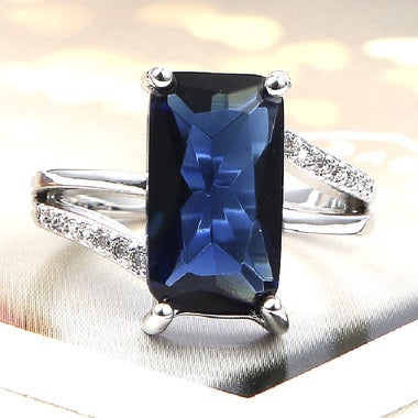 Beautiful Sapphire & White Topazes Sterling Silver 925 Ring