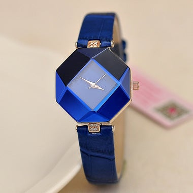 Luxury New Three Women Watch Dimensional Surface Leather Belt Compact Bracelet W