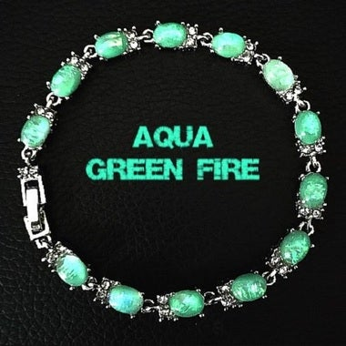 STUNNING SILVER PLATED GREEN FIRE CREATED OPAL BRACELET
