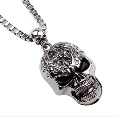 Exquisite European and American style punk style skull head necklace