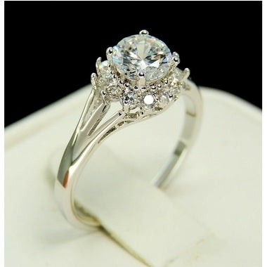 Brilliant studded round cut Genuine Cz