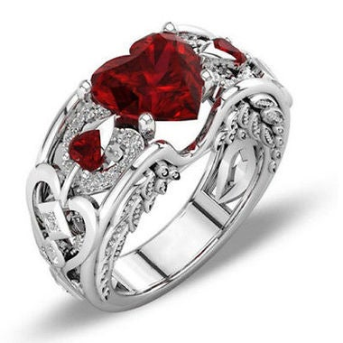 New Heart-shaped Ruby Ladies Princess Ring Engagement Ring Hand jewelry