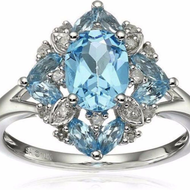 Luxurious Light Blue Aquamarine Oval Cut Engagement Ring In 925 Silver