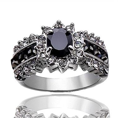 Gorgeous 18K White Gold Filled Fancy Ring