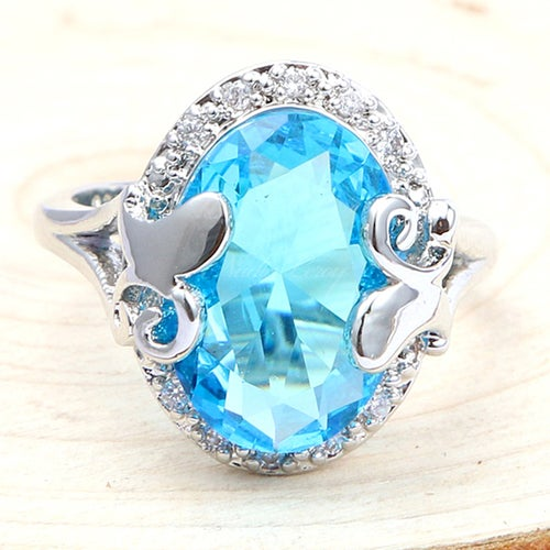 Captivating Oval-cut 1.5 ct Sky Blue & White Topaz Sterling Silver 925 Ring