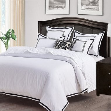 3 Piece Set HOTEL COLLECTION Duvet Cover - Elegant White/Black Trim Hotel Qualit