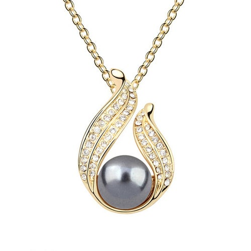 Stunning 18kt Gold Plated Fresh Water Pearls Statement Necklace