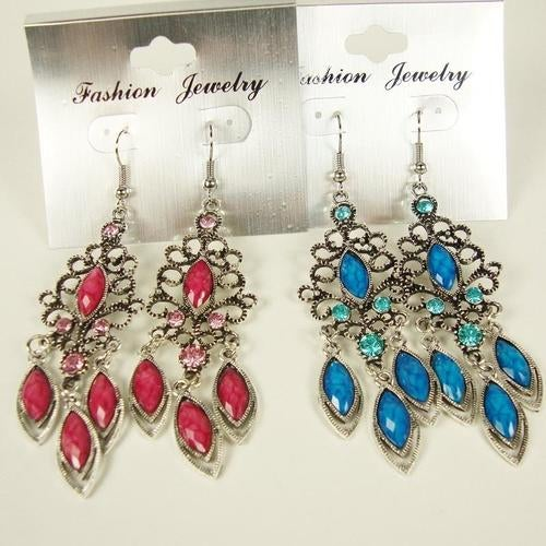 Retro Antique Look Earring with Crystals