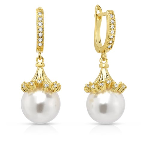 Amazing 18K Gold Plated Shell Pearl W/Stunning Crystal Earings