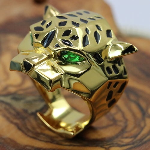 Prestige collection from Alpha Jewelry. Certified authentic 3X Platinum plated or 18K Yellow gold plated. Genuine Emerald stones with lot's of details. Very strong personality ring. Luxurious, statement ring!!! Superior quality and outstanding look. Very