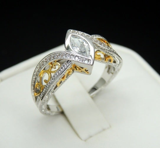 Brilliant Marquise Cut Inserted stone royal design