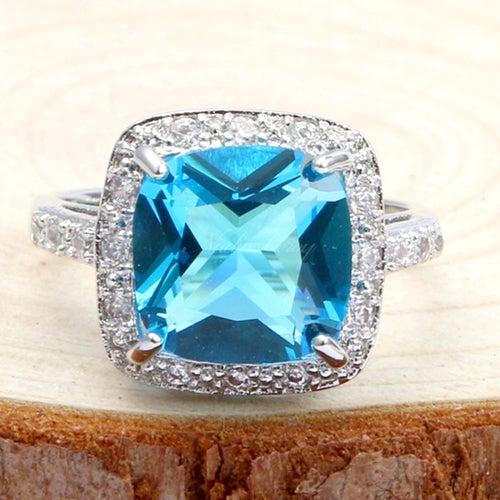 Gorgeous Sky Blue Topaz Sterling Silver 925 Ring