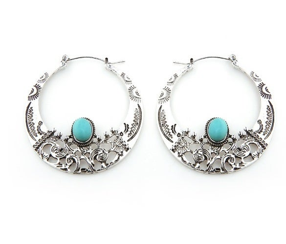 New arrival!!! Very nice stylish earrings. Man made Turquoise accent stones works perfectly with a traditional style. lot's of details and great quality Item located in USA and will be delivered in 5 days.!! Bid with confidence!!