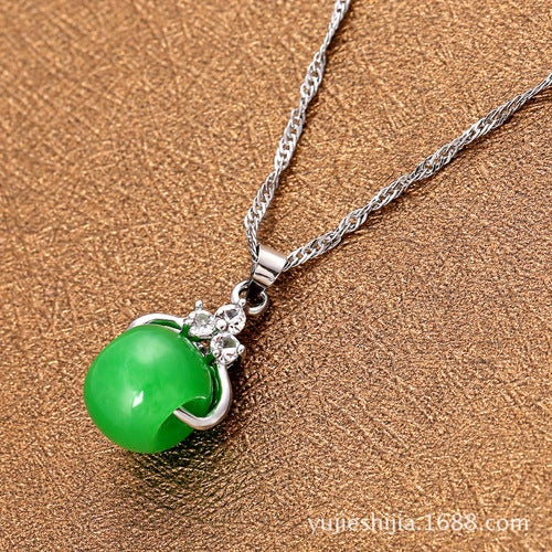 Factory direct green jade pendant translocation beads stand wholesale 2 yuan supply source with the money