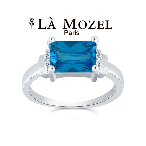 Beautiful 2.00 Carat Aqua Emerald Cut Ring