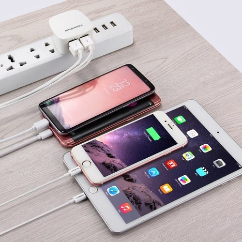 [BS Certificate] HAWEEL UK Plug 4 USB Ports Max 3.1A Travel Charger for iPhone, iPad, Galaxy, Huawei, Xiaomi, LG, HTC and other Smart Phones