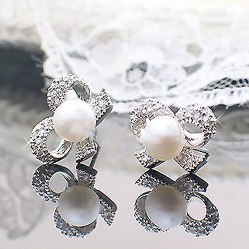 18kt White Gold Plated Pearl Bow Earrings