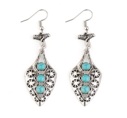 New arrival!!! Very nice looking earrings with a touch of style. Man made Turquoise accent stones works perfectly with a traditional style. Item located in USA and will be delivered in 5 days.!! Bid with confidence!!