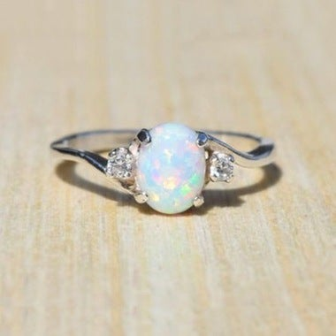 Exquisite ladies white gold-plated ring Oval cut synthetic fire opal jewelry bir
