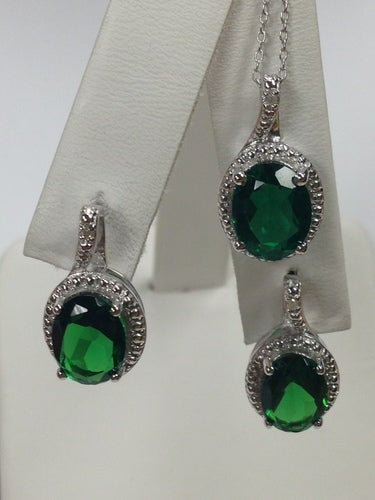 Natural Diamond with Created Green Stone Set 925 Sterling Silver