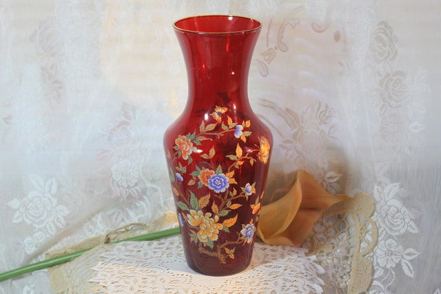 Vintage Norleans Italian Red Glass Vase With Butterf Tophatter