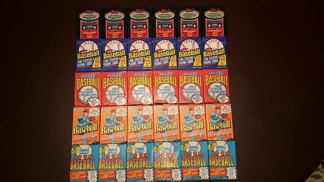 Mixed Baseball Card Sealed Wax Pack Lot of 30 ***25+ Years Old Sealed*** Rookie Cards