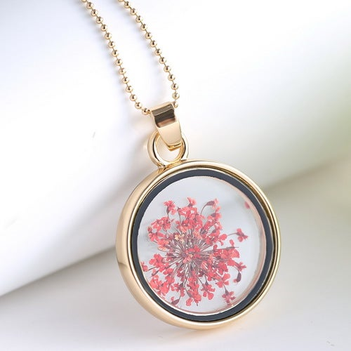 Fashion New Jewelry Romantic Transparent Crystal Glass Round Floating Locket Dried Flower Plant Specimen Golden Pendant Chain Necklace for Women Girls