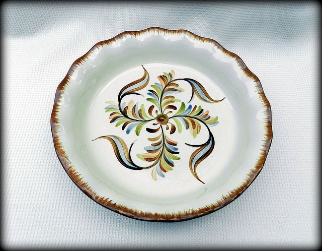 New Southern Living Pottery Deep Dish Pie Plate u2013 NIB & New Southern Living Pottery Deep Dish Pie Plate u2013 NIB | Tophatter