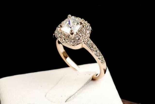 Beautiful B02 Womens Rose Gold Plated CZ Ring
