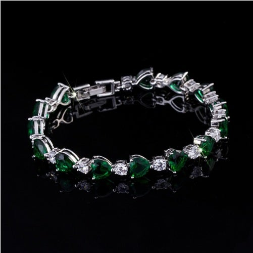 100% genuine bracelet for women. High end fine jewelry. Rich and expansive gift for you or your loved ones. Real 18K gold plating.