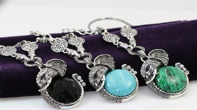 New Style Statement High Quality Sweter Elephant Crystal Pendant For Women!