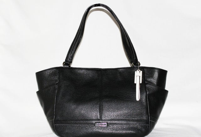 24069ca8f67 Coach Tote, Park Leather Carrie Tote, NWT 100% Authenti   Tophatter