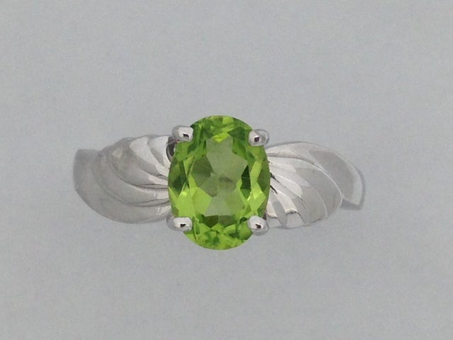 Oval Shape Natural Peridot Ring 925 Sterling Silver