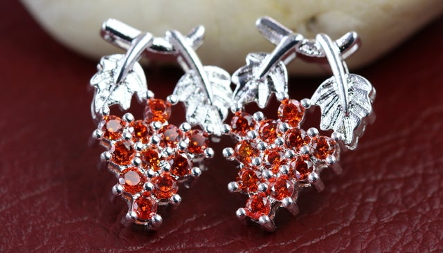AAA Zircon Very Stylish and Just Must Have For Every Women!!!! Silver Plated Grape Shape Earrings For Women