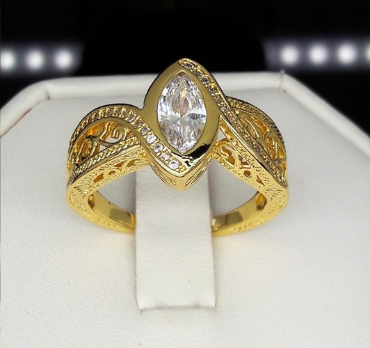 Brilliant marquise Cut Yellow gold filled