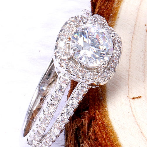 Exquisite White Sapphire Sterling Silver 925 Ring