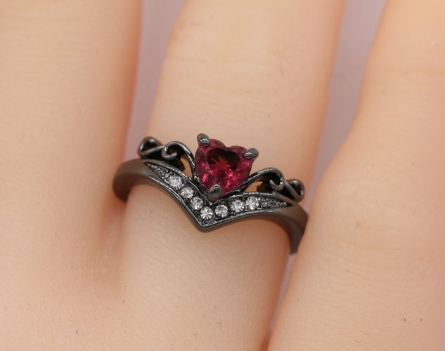Heart Ring Black Gold Plated with Red AAA CZ Women Ring TH755