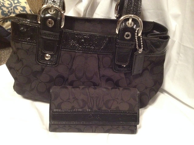 ac322836ed3b COACH  F13742 Black Signature Pleated Bag with wallet