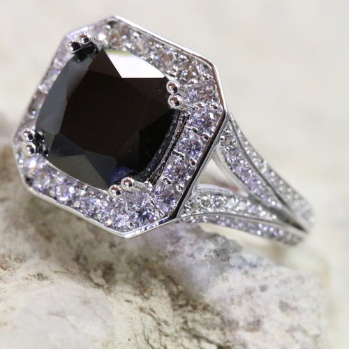 """USA size 5-10 Luxury """"extreme"""" collection.Gorgeous, 100% Genuine ring. Certified Platinum plated. Excellent quality. Excellent cut, excellent clarity. Very rich looking statement ring!!!"""