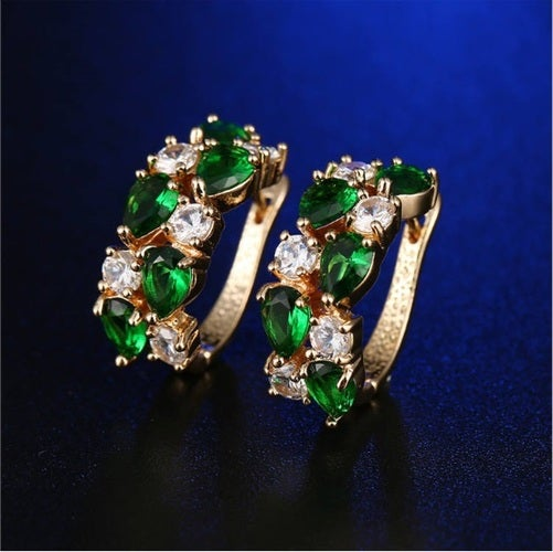 High quality statement earring for you or your loved ones. Genuine Italian 5 AAAAA zircon. Certified Yellow gold plated. Very nice looking earrings at the great price.
