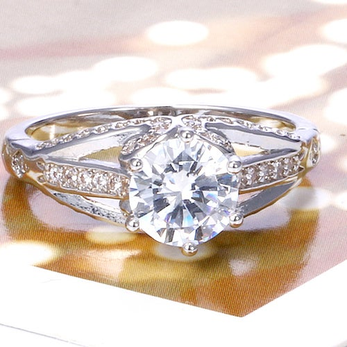 Stunning White Sapphire Sterling Silver 925 Ring