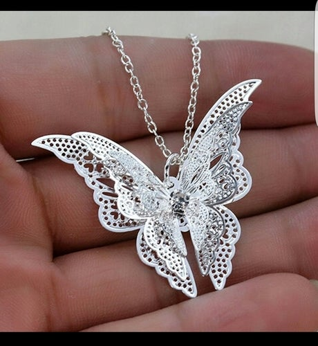Beautiful delicate 3d butterfly necklace
